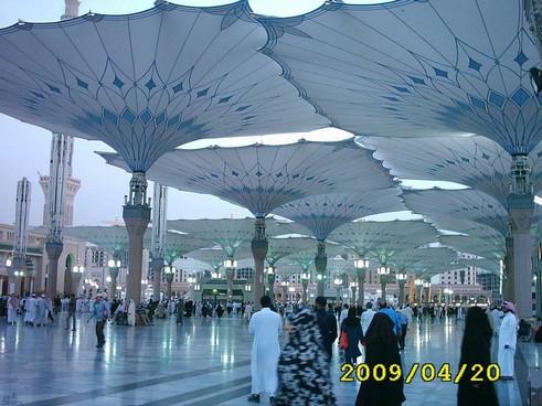 masjid e nabvi beautiful